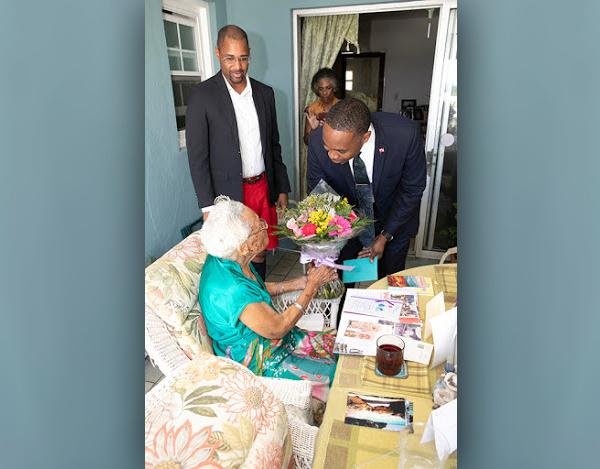 Myrtle Edness Celebrates Her 105th Birthday July 2019 (3)