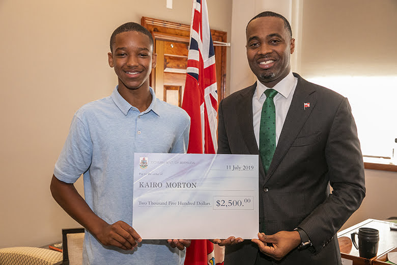 Premier Burt With Yale Summer Interns Bermuda July 2019 (1)