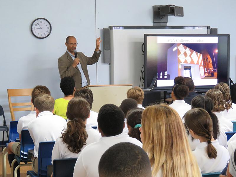 Thomas Ilube With Somersfield Students Bermuda Sept 2019 (3)