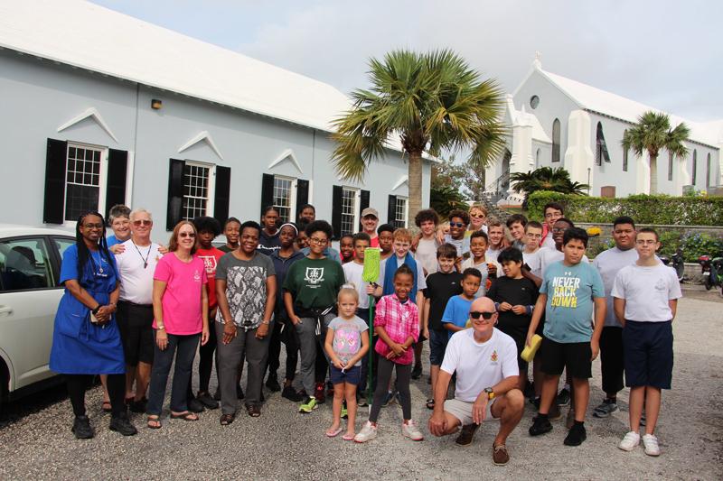Christmas Car Wash Bermuda November 2019 (2)