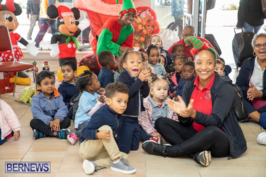 Perform-To-Learn-Pre-School-Santa-Arrives-at-LF-Wade-Airport-Bermuda-November-29-2019-4045