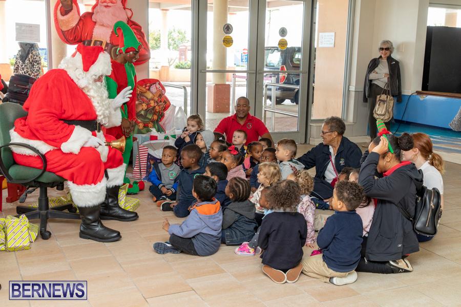 Perform-To-Learn-Pre-School-Santa-Arrives-at-LF-Wade-Airport-Bermuda-November-29-2019-4051