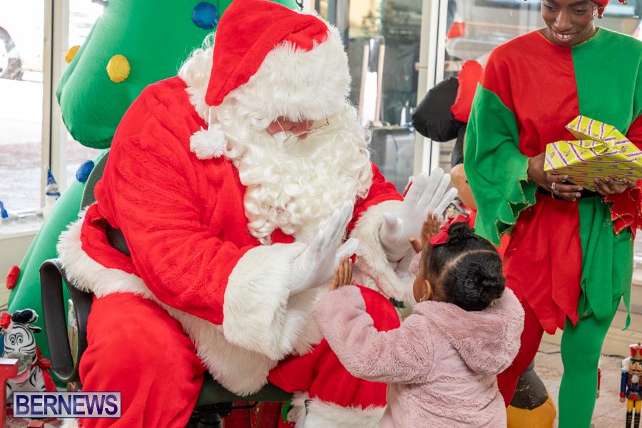 Perform-To-Learn-Pre-School-Santa-Arrives-at-LF-Wade-Airport-Bermuda-November-29-2019-4068