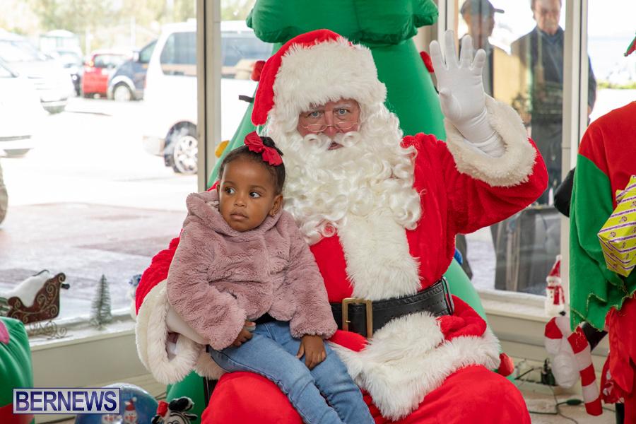 Perform-To-Learn-Pre-School-Santa-Arrives-at-LF-Wade-Airport-Bermuda-November-29-2019-4069