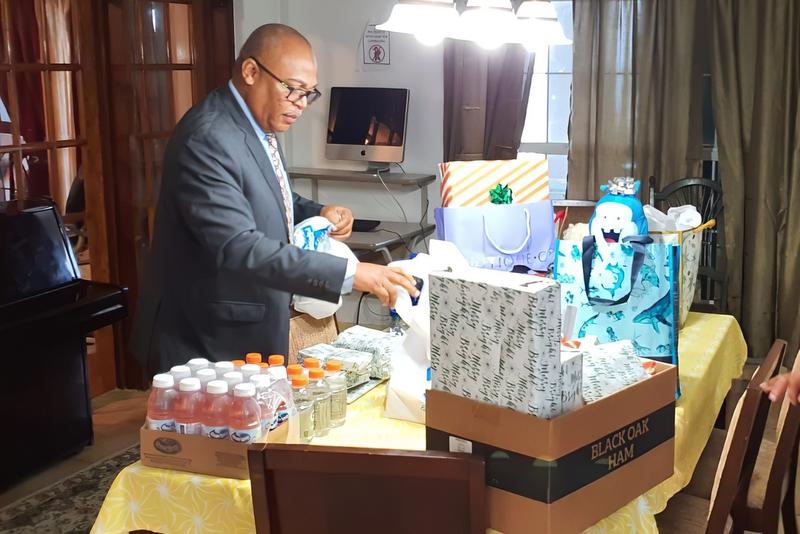 Bermuda Police Service Deliver Gifts Teen Services, December 24 2019 (2)