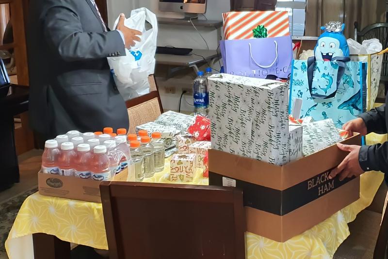 Bermuda Police Service Deliver Gifts Teen Services, December 24 2019 (3)