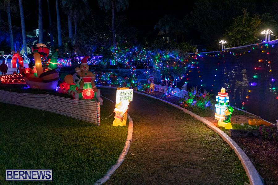 Christmas-Wonderland-at-Somers-Gardens-in-St.-Georges-Bermuda-December-21-2019-5170