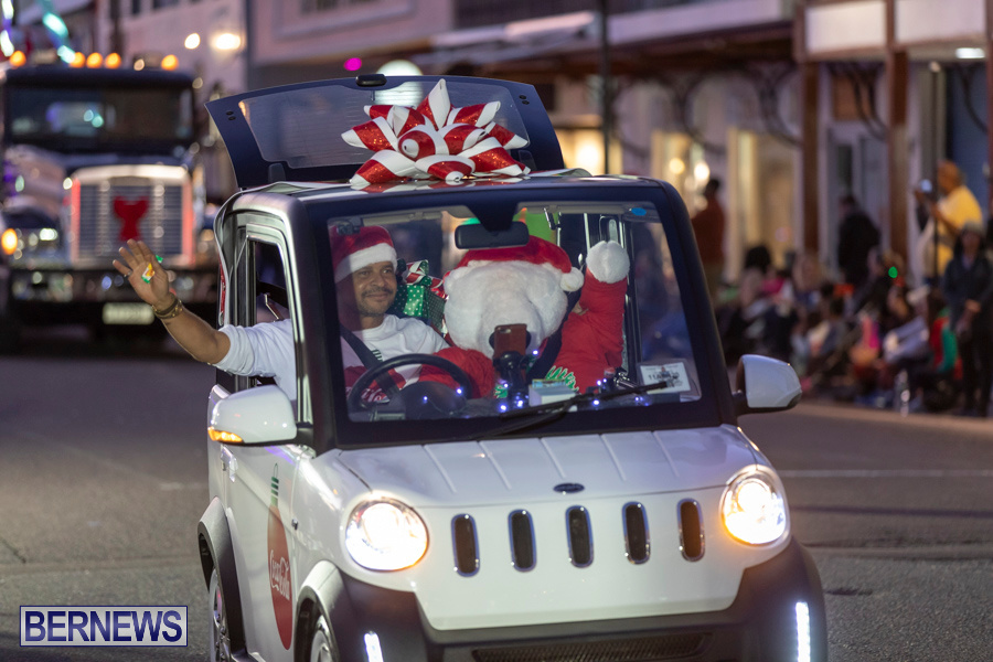 Marketplace-Christmas-Santa-Claus-Parade-Bermuda-December-1-2019-5007