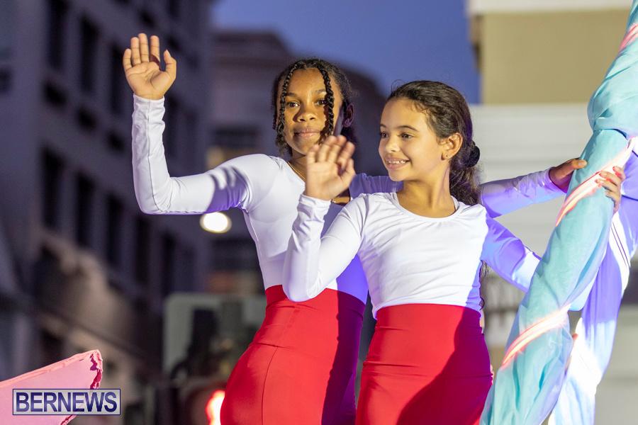 Marketplace-Christmas-Santa-Claus-Parade-Bermuda-December-1-2019-5037