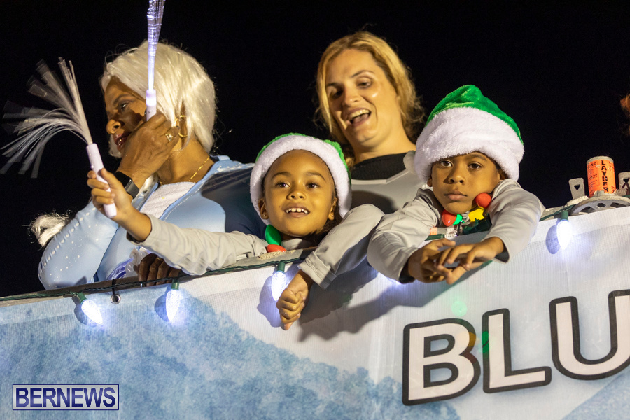 Marketplace-Christmas-Santa-Claus-Parade-Bermuda-December-1-2019-5233