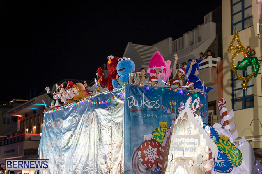 Marketplace-Christmas-Santa-Claus-Parade-Bermuda-December-1-2019-5243