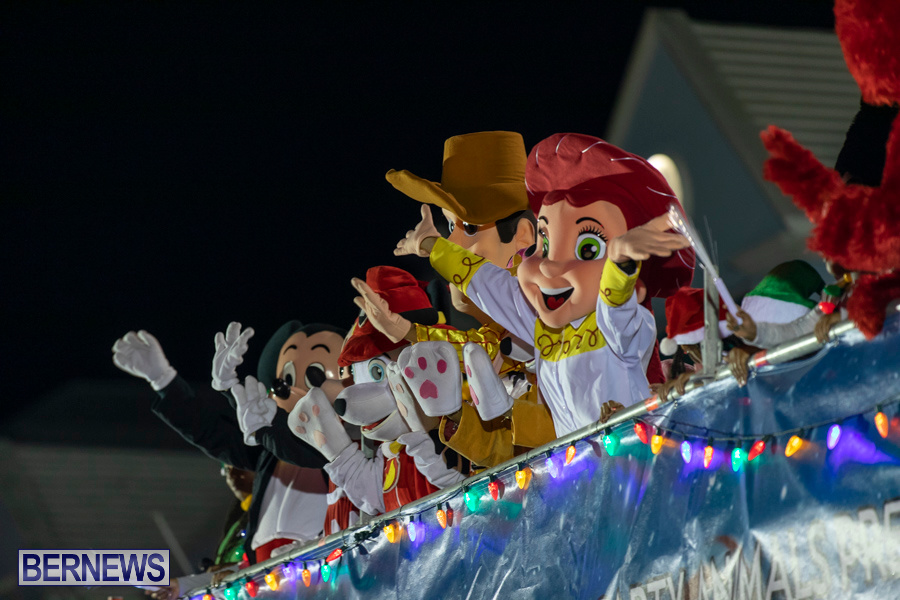 Marketplace-Christmas-Santa-Claus-Parade-Bermuda-December-1-2019-5253