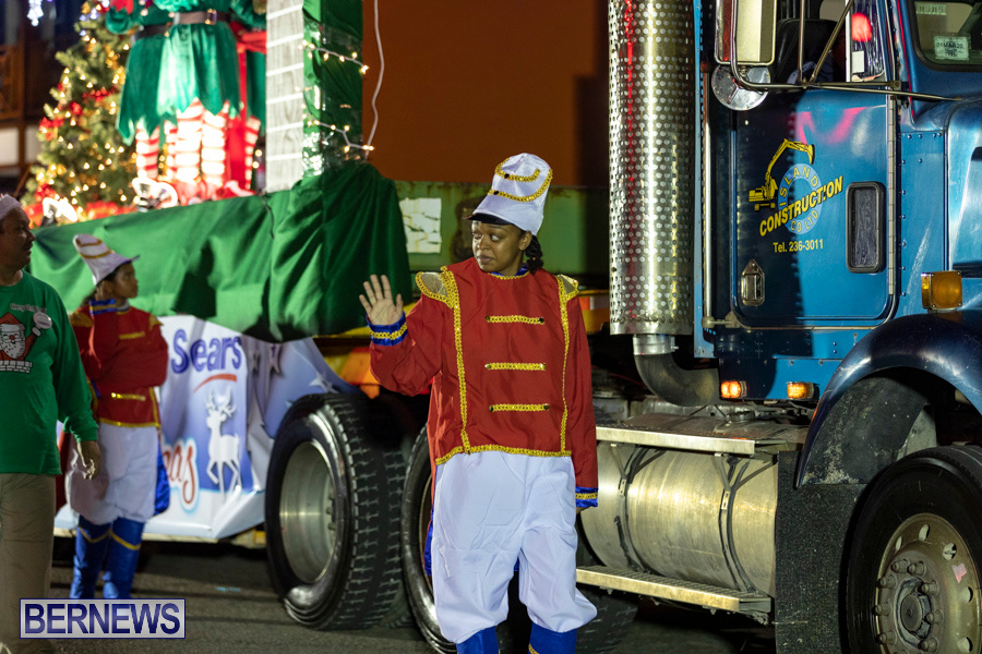Marketplace-Christmas-Santa-Claus-Parade-Bermuda-December-1-2019-5420