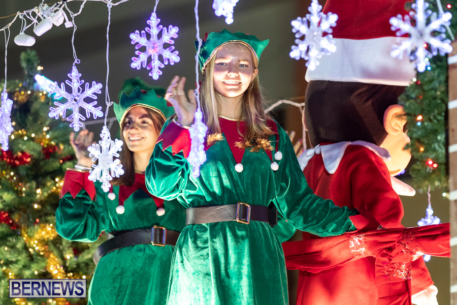 Marketplace-Christmas-Santa-Claus-Parade-Bermuda-December-1-2019-5426