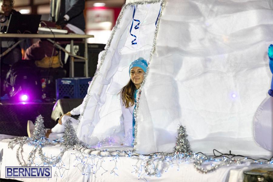 Marketplace-Christmas-Santa-Claus-Parade-Bermuda-December-1-2019-5434