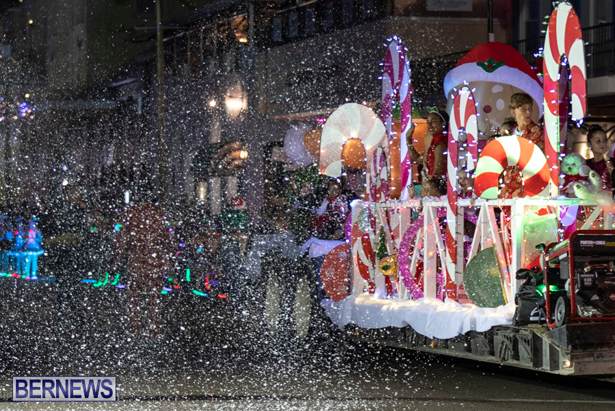 Marketplace-Christmas-Santa-Claus-Parade-Bermuda-December-1-2019-5495
