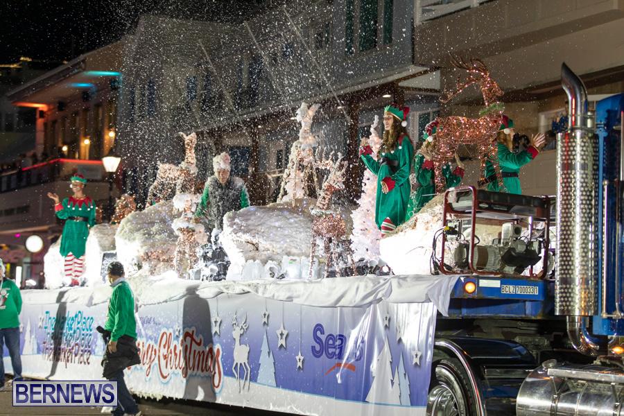 Marketplace-Christmas-Santa-Claus-Parade-Bermuda-December-1-2019-5546