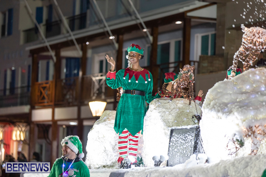 Marketplace-Christmas-Santa-Claus-Parade-Bermuda-December-1-2019-5551