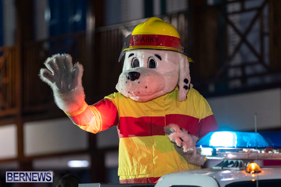 Marketplace-Christmas-Santa-Claus-Parade-Bermuda-December-1-2019-5567