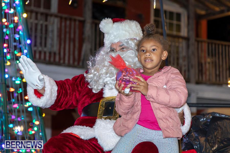 Santa-is-Coming-to-Town-St-Georges-Bermuda-December-14-2019-3984