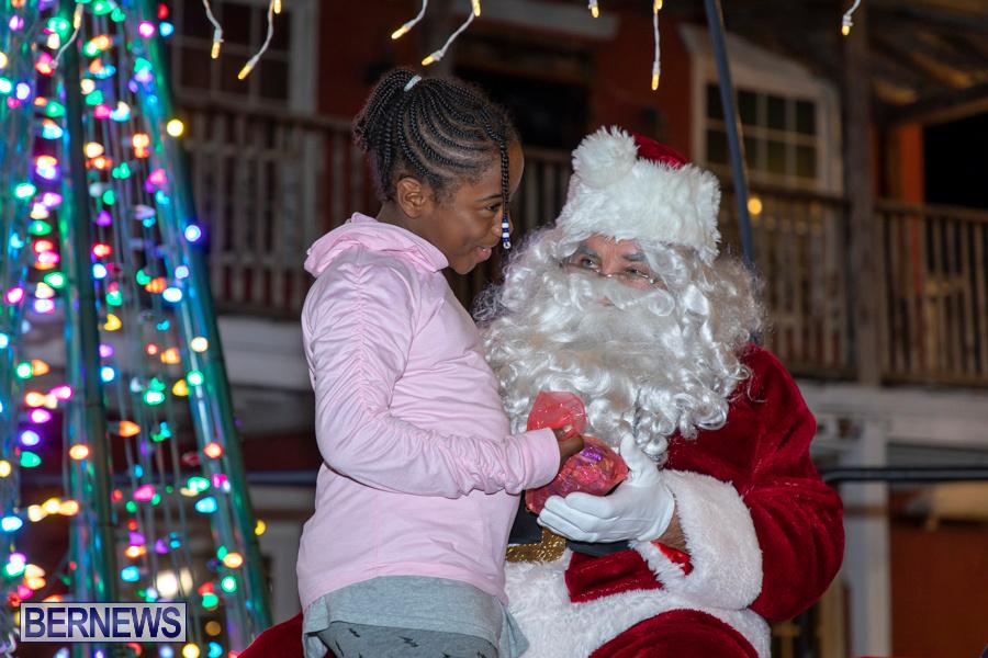Santa-is-Coming-to-Town-St-Georges-Bermuda-December-14-2019-3985