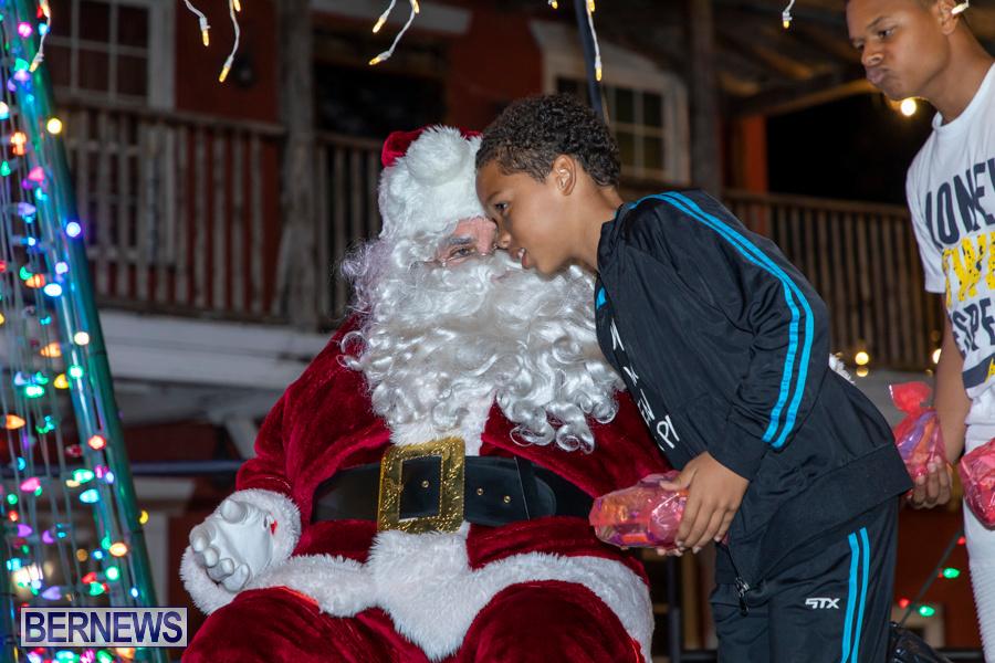 Santa-is-Coming-to-Town-St-Georges-Bermuda-December-14-2019-4004