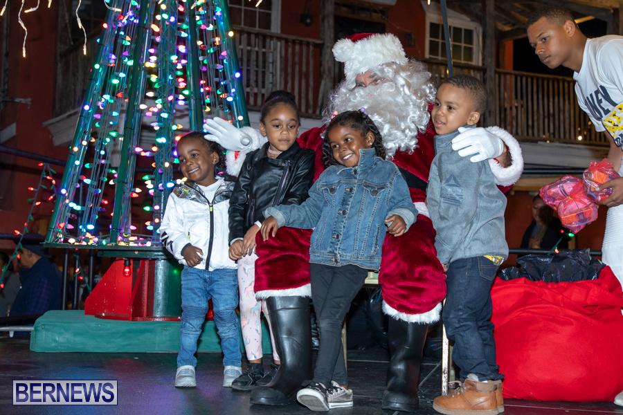 Santa-is-Coming-to-Town-St-Georges-Bermuda-December-14-2019-4016