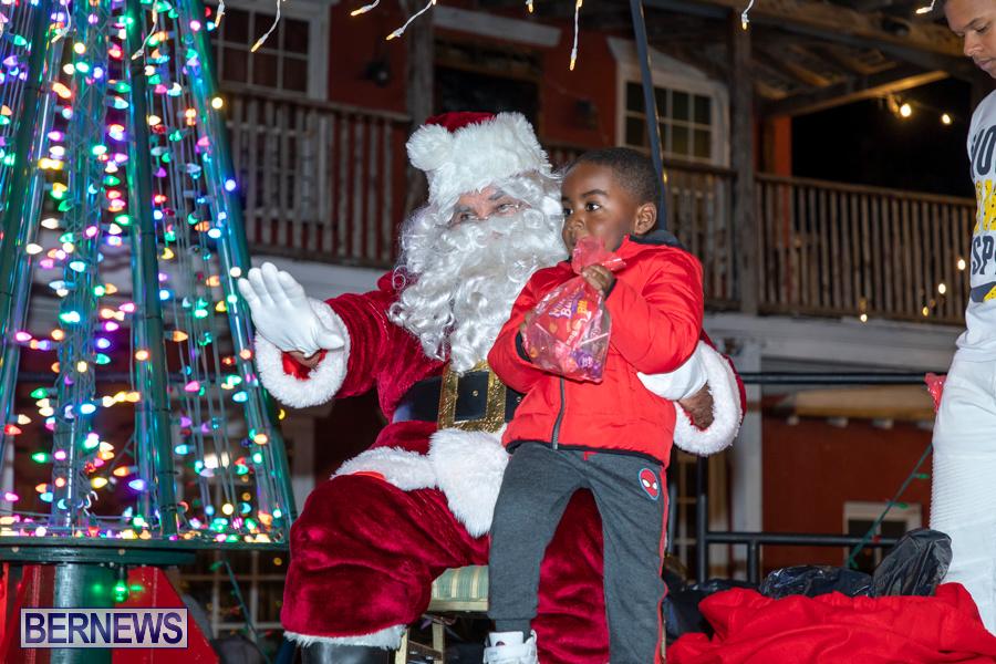 Santa-is-Coming-to-Town-St-Georges-Bermuda-December-14-2019-4030