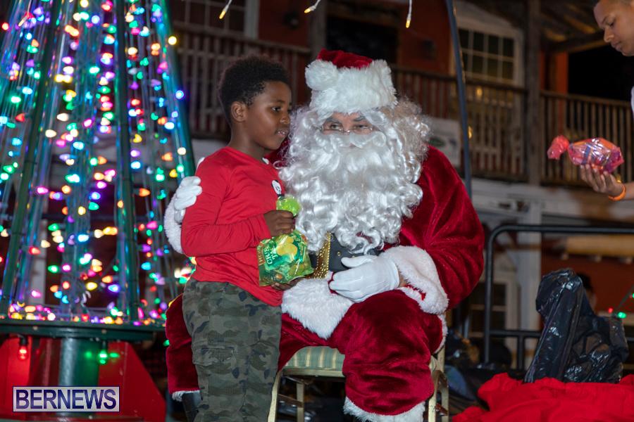 Santa-is-Coming-to-Town-St-Georges-Bermuda-December-14-2019-4051