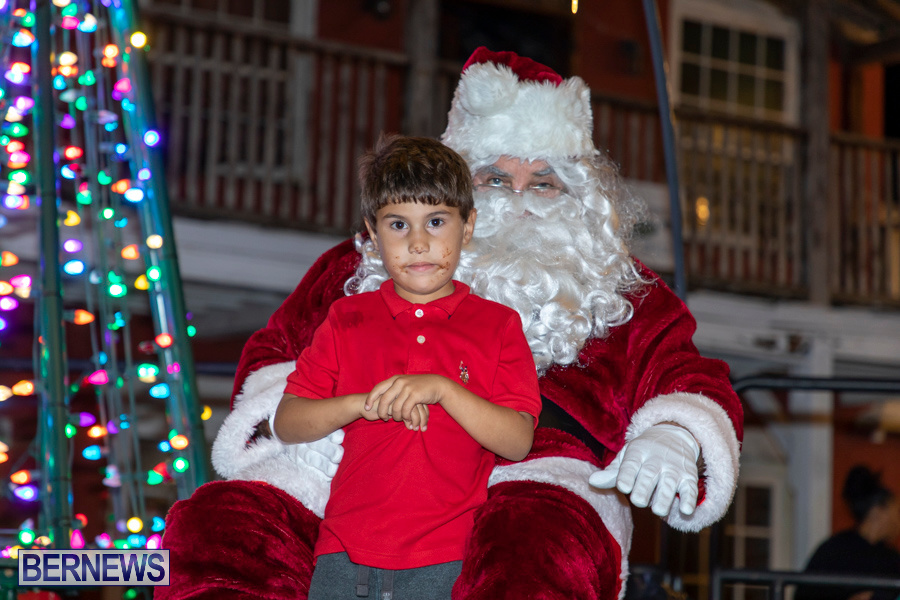 Santa-is-Coming-to-Town-St-Georges-Bermuda-December-14-2019-4065