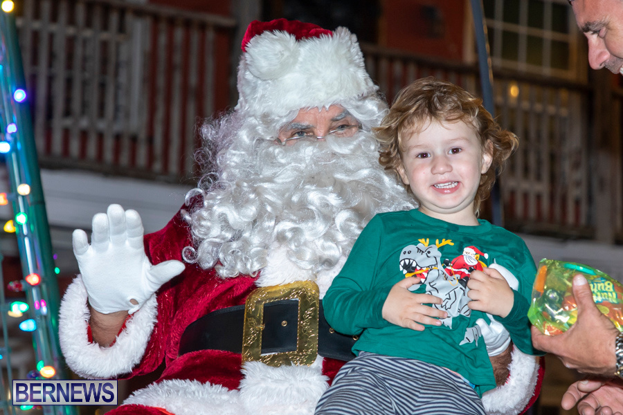 Santa-is-Coming-to-Town-St-Georges-Bermuda-December-14-2019-4072