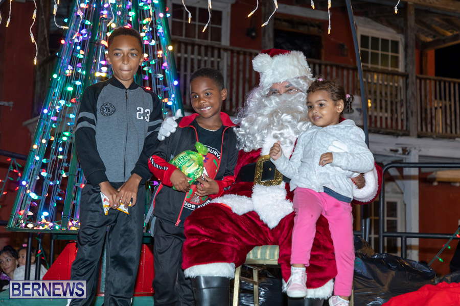 Santa-is-Coming-to-Town-St-Georges-Bermuda-December-14-2019-4077