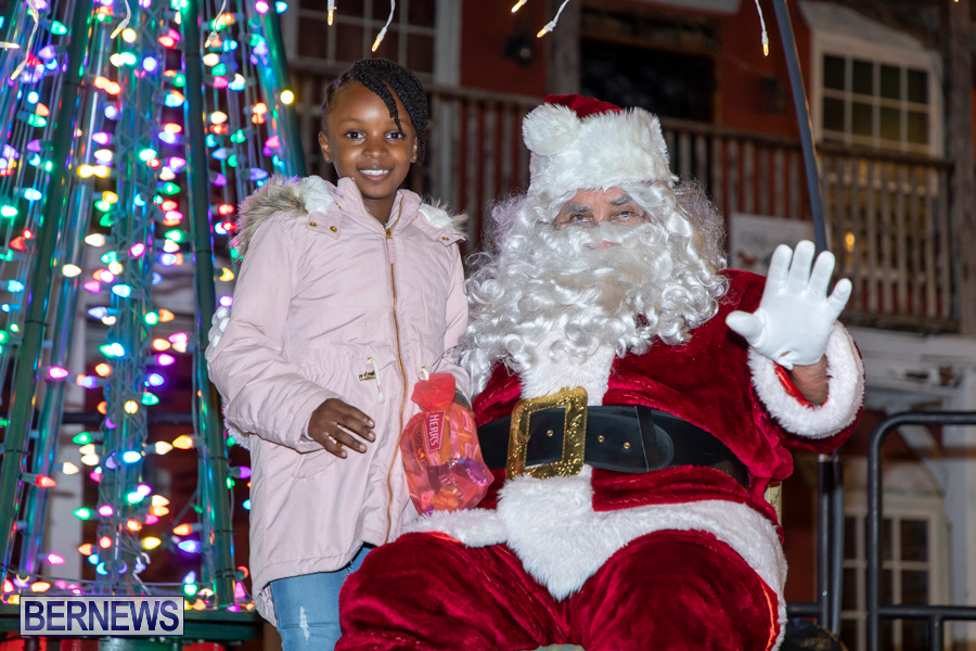 Santa-is-Coming-to-Town-St-Georges-Bermuda-December-14-2019-4081