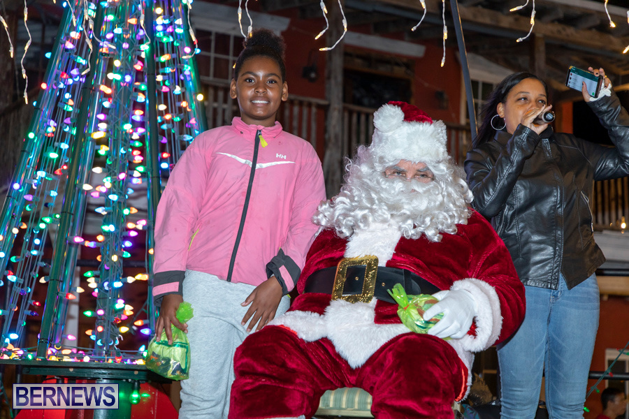 Santa-is-Coming-to-Town-St-Georges-Bermuda-December-14-2019-4086