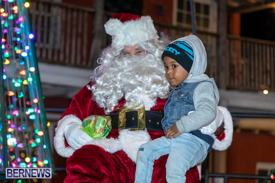 Santa-is-Coming-to-Town-St-Georges-Bermuda-December-14-2019-4087