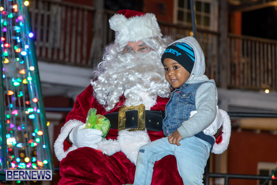 Santa-is-Coming-to-Town-St-Georges-Bermuda-December-14-2019-4088