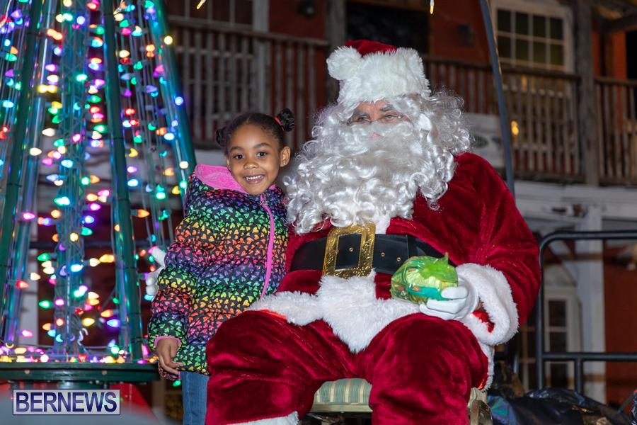 Santa-is-Coming-to-Town-St-Georges-Bermuda-December-14-2019-4092