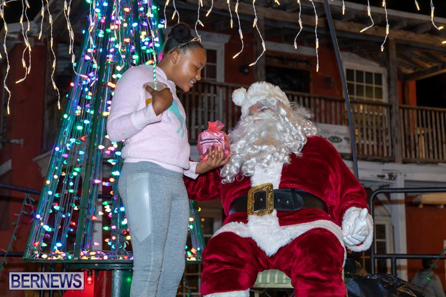 Santa-is-Coming-to-Town-St-Georges-Bermuda-December-14-2019-4093
