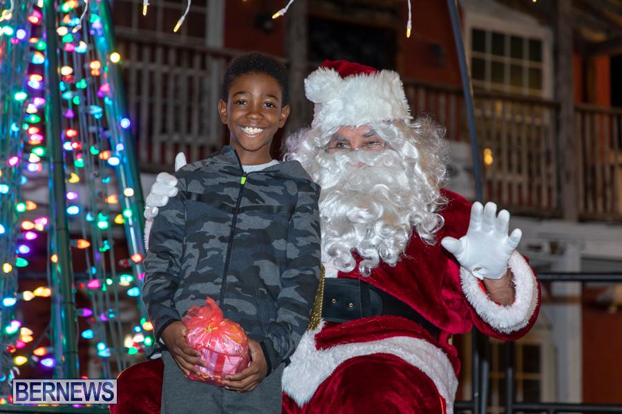 Santa-is-Coming-to-Town-St-Georges-Bermuda-December-14-2019-4103