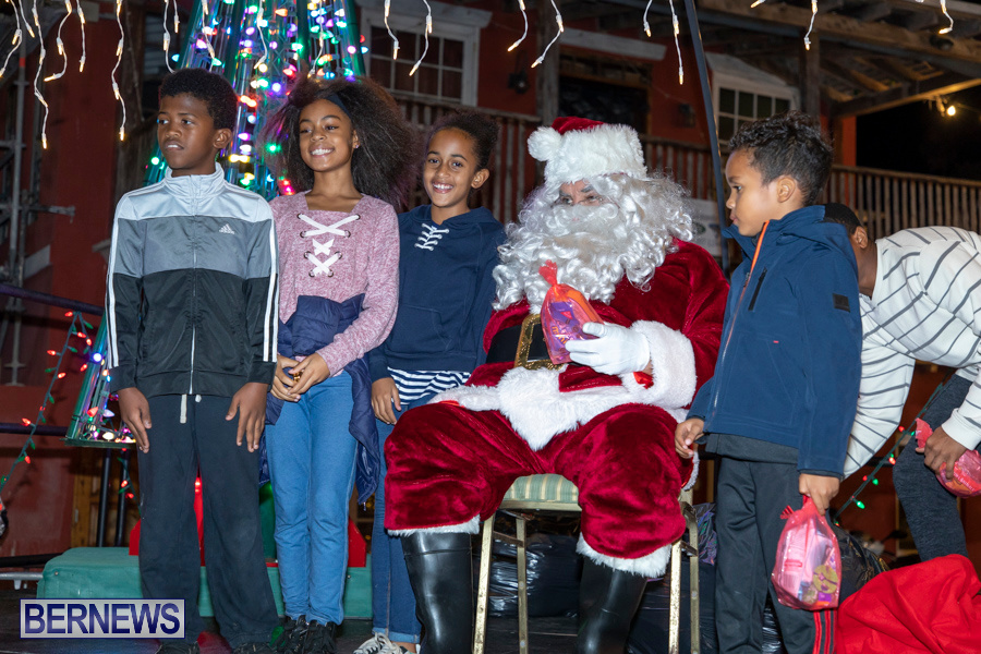 Santa-is-Coming-to-Town-St-Georges-Bermuda-December-14-2019-4112