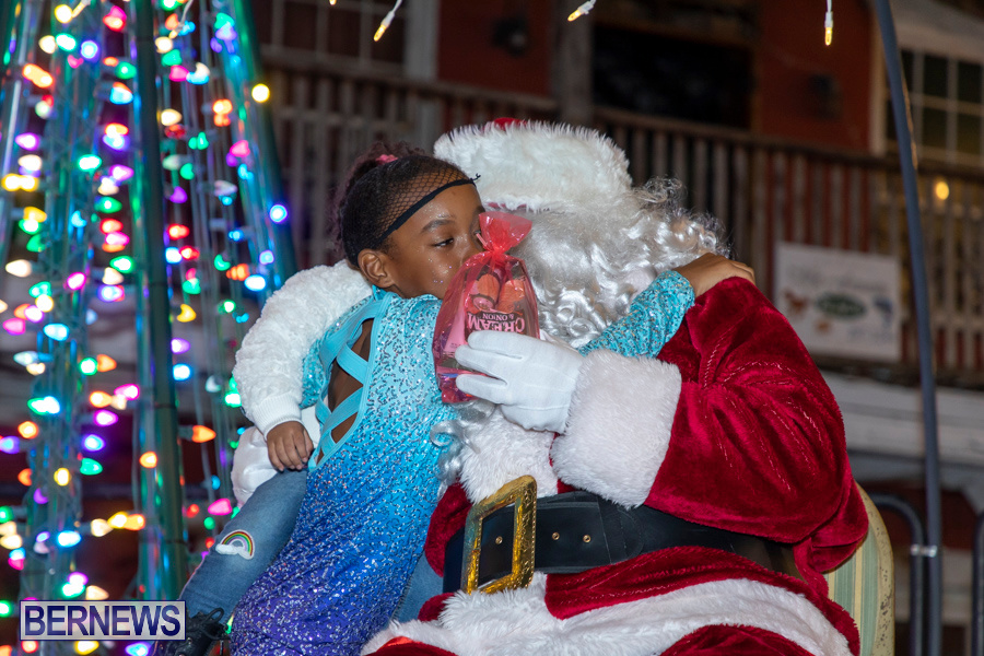 Santa-is-Coming-to-Town-St-Georges-Bermuda-December-14-2019-4124