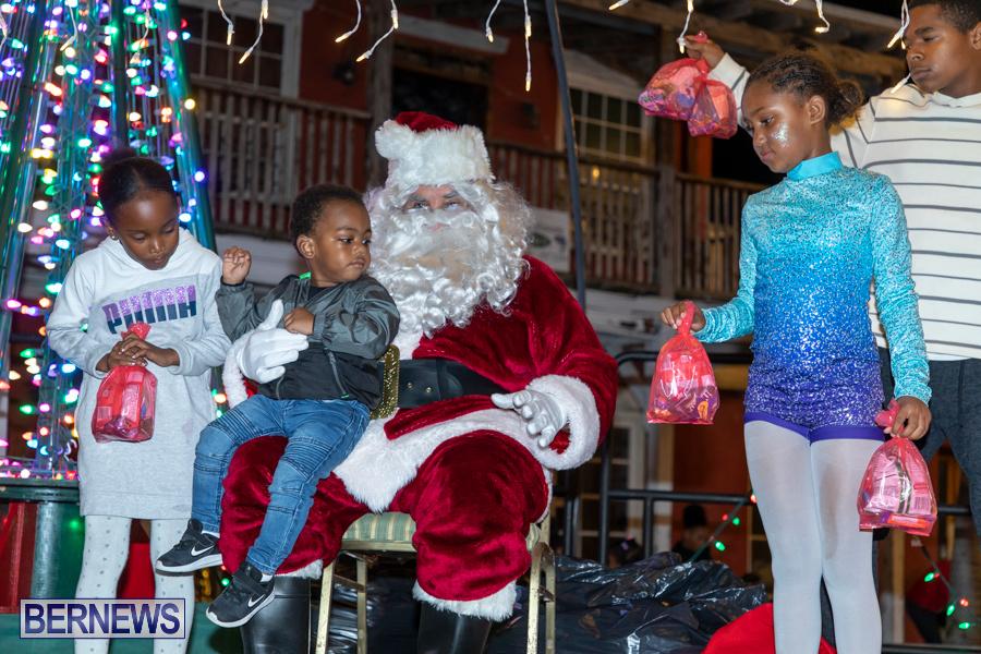 Santa-is-Coming-to-Town-St-Georges-Bermuda-December-14-2019-4135