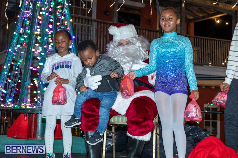 Santa-is-Coming-to-Town-St-Georges-Bermuda-December-14-2019-4136