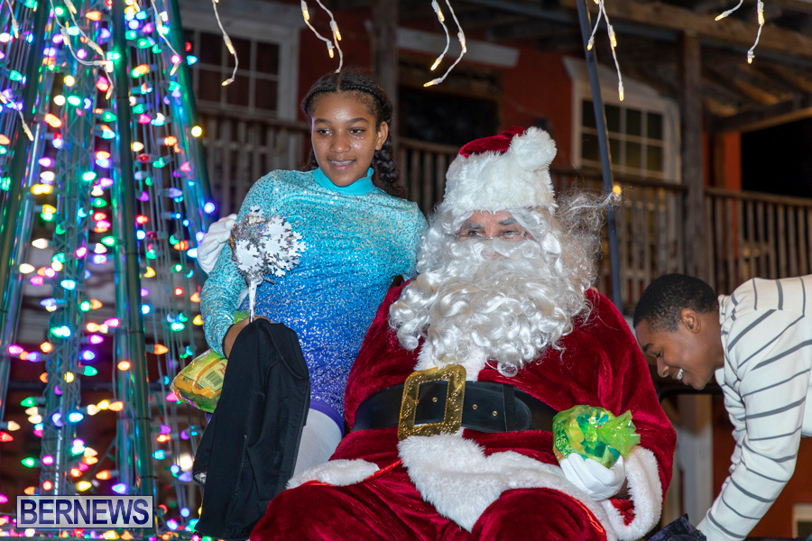 Santa-is-Coming-to-Town-St-Georges-Bermuda-December-14-2019-4156