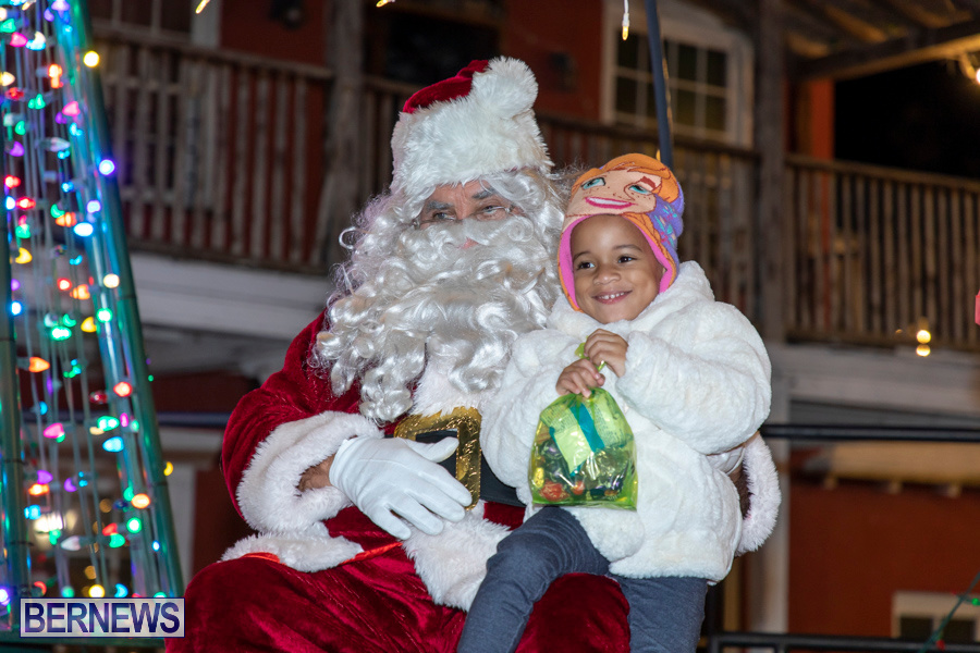 Santa-is-Coming-to-Town-St-Georges-Bermuda-December-14-2019-4157
