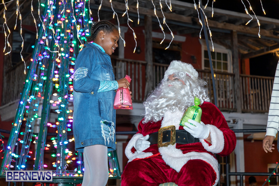 Santa-is-Coming-to-Town-St-Georges-Bermuda-December-14-2019-4176