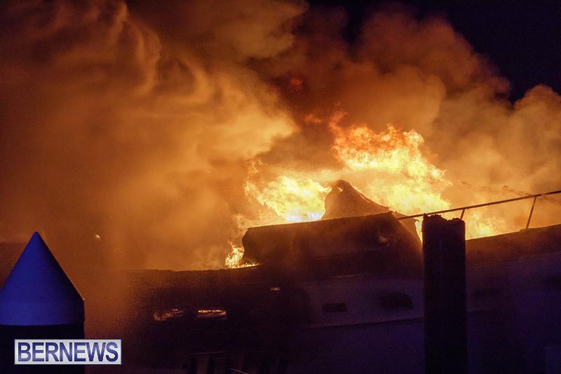 BOAT FIRE IN DOCKYARD BERMUDA JAN 2020 (15)