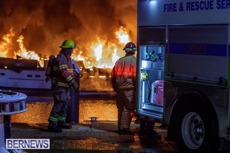 BOAT FIRE IN DOCKYARD BERMUDA JAN 2020 (8)