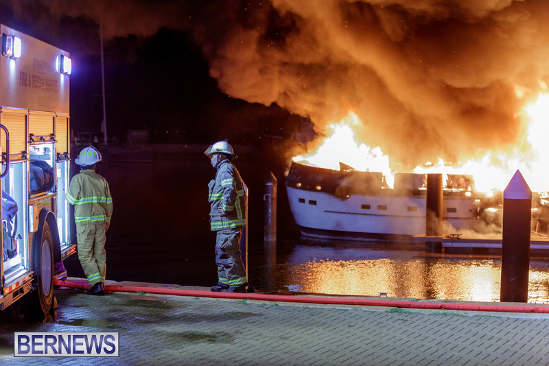 BOAT FIRE IN DOCKYARD BERMUDA JAN 2020 (9)