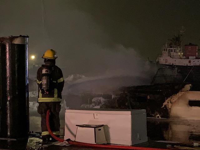Boat Fire In Dockyard Bermuda Jan 2020 (1)